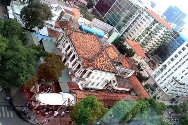 Hình ảnh 02 - Sốc ! Căn biệt thự cổ cũ nát giá 700 tỷ giữa Sài Gòn