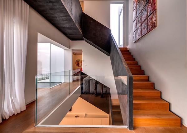 Choáng ngợp với căn biệt thự hiện đại 2 tầng như trong phim viễn tưởng Hollywood - Không gian trong nhà 02