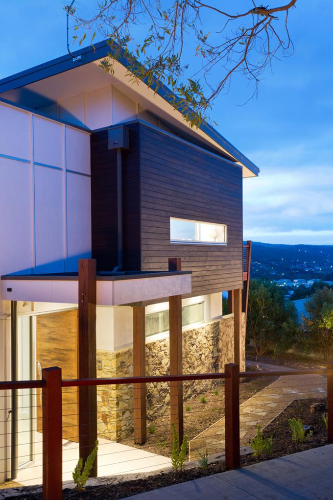 Mẫu biệt thự 2 tầng 13,7x14m hiện đại tại sườn đồi - Hình ảnh kiến trúc 02