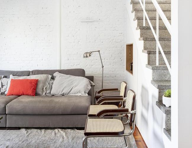 Mẫu biệt thự đẹp 2 tầng -Phòng khách tông màu xám khác biệt