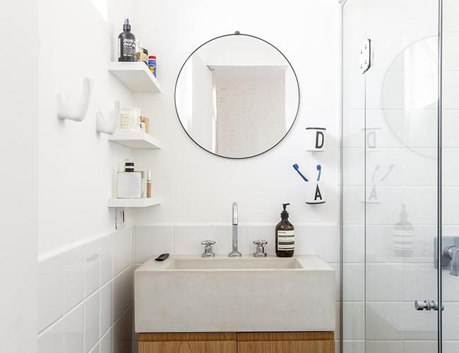 Mẫu biệt thự đẹp 2 tầng - Phòng tắm tuyệt đẹp với tường trắng